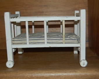Antique Baby Doll Bed, Baby Crib, Vintage Doll Crib, Child's Doll Crib, Child's Doll Bed