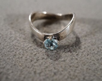 Vintage Sterling Silver Band Ring Prong Set Round Blue Topaz, Size 6