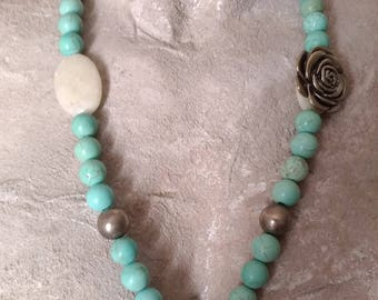 Maxi Necklace in natural hard piers, turquoise white agate and silver