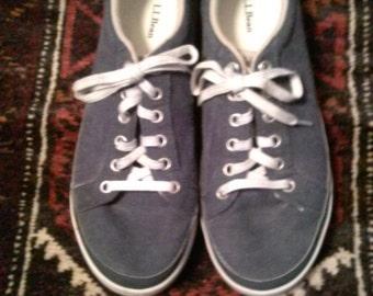 mens llbean sneakers. size 8