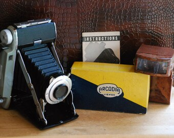 FREE SHIPPING!! - Vintage Kodak Tourist II Camera & Arcadia Slide Viewer Set - 1950's Press Camera with Accordion Lens and Bakelite Viewer