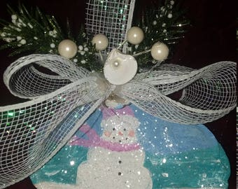 Beautiful snowman seashell ornament hand-painted Glitz and glamour 5 inches will personalize