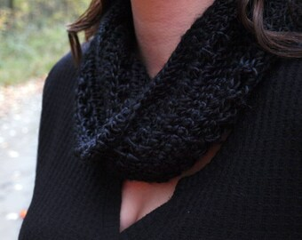 Twist Cowl / Crochet Mobius / Crochet Cowl / Crochet Twisted Cowl / Crochet Infinity Scarf / Infinity Scarf / Cowl / Twisted Cowl
