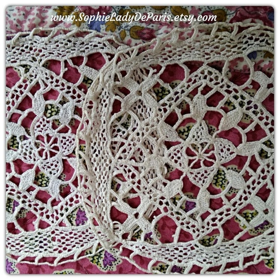 2 Antique Lace Doily Applique Collectible Haberdashery Small Off White French Cotton Lace Hand Crocheted #sophieladydeparis