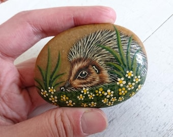 Painted Pebble, Hedgehog Pebble, Animal Pebble, Painted Stone, Woodland, Boho, Hedgehog, Countryside, Cute, Home Decor.
