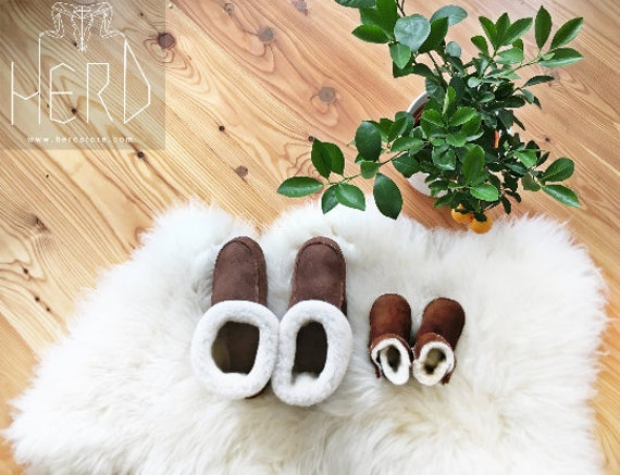 Real Leather Sheepskin Slippers. Genuine Sheepskin Slippers. Genuine Leather & Fur. Different sizes 41-46!