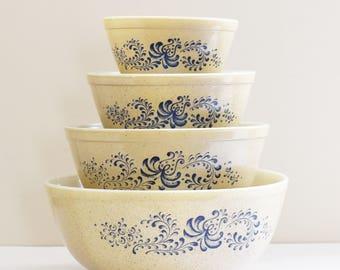Full Set of 4  -Vintage USA Pyrex - Homestead Pattern - nestling Mixing bowls - 1970's - 80's Era