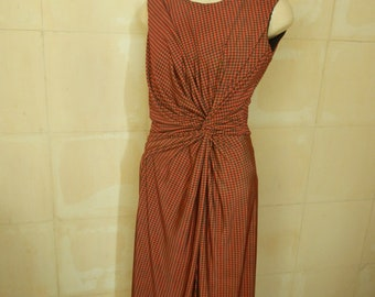 Dress with knot in waist with lining, neck to box and back zipper