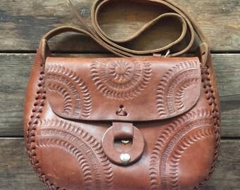 1980's vintage embossed leather purse - brown