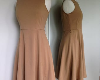 Lovely Classy Fashionable Beige Colored Vintage Spring Summer Dress