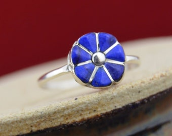 Zuni handmade sterling silver and blue lapis lazuli flower ring
