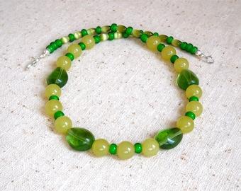 Pretty Green 17 1/2 Inch Necklace (Item Z 40)