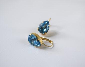 Aqua Swarovski Earrings, Aquamarine Earrings, Aqua Crystal Earring, Blue Teardop Earring, Blue Bridesmaid Earrings, Aqua Swarovski Crystal