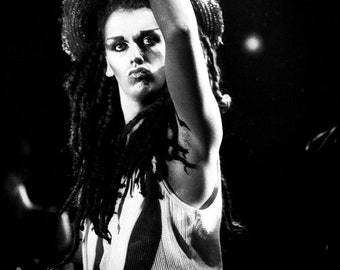 Pete Burns DEAD or ALIVE. Futurama 4, Deeside Leisure Centre. 12 september 1982 © gary lornie fotografie.