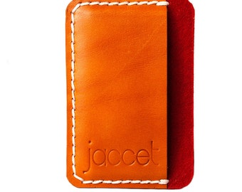 Leather card holder. Red wool felt lining. Credit card. Veg tanned leather.Small leather wallet.Saddle tanned. Premium leather card holder