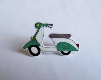 Vespa Scooter Illustrated Pin Brooch British Racing Green