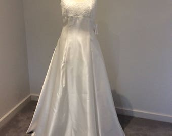 Vintage 1990's ivory wedding gown