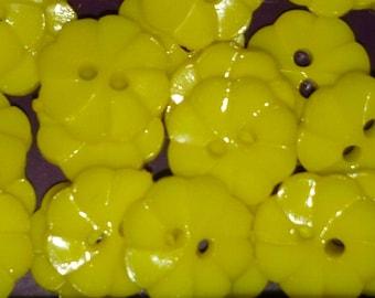 set of 10 yellow flower 13 mm scrapbooking buttons