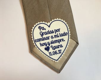 Personalized tie patch, gracias caminar a mi lado hoy y siempre, heart tie label, Gift for Padre, Espanol, Spanish. iron-on available, S10