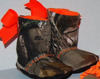 Handmade from Realtree. Camo Baby Booties/baby girl camo. Orange.Redneck baby shower. Mossy Oak.camo babyshower.