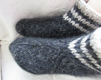 Black hand knit slippers, thick, fluffy bed socks,cozy and warm.UK 4-11. Kozizake.