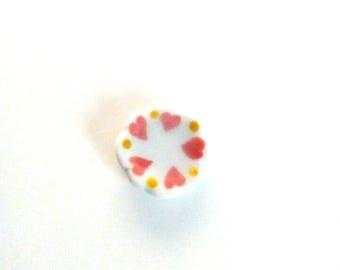 Set of 4 red heart white porcelain plate. 20mm in diameter