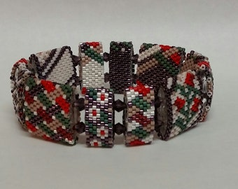 Posies and Plaid - Stretch bracelet made with Carrier Beads