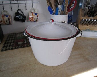 6 Qt Enamelware Stew/Stock Pot with Lid