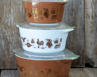 Vintage White and Brown Pyrex Bowl Set with Lids, Pyrex Early American Bowls, Pyrex Nesting Bowls, Pyrex Mixing Bowl Set, Hostess Bowl Set