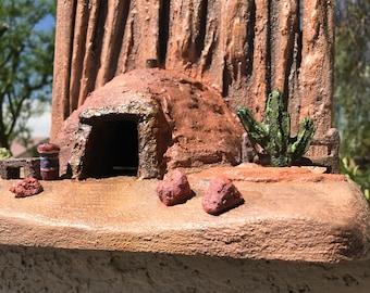 Southwest Navajo Hogan Birdhouse