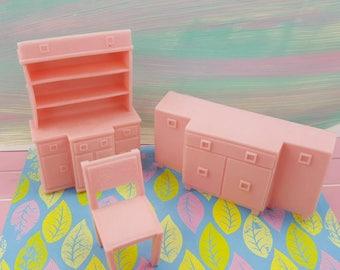 Esszimmer Superior Zimmer weichen Kunststoff rosa Stuhl Sideboard China Setzkasten Puppenhausmöbel