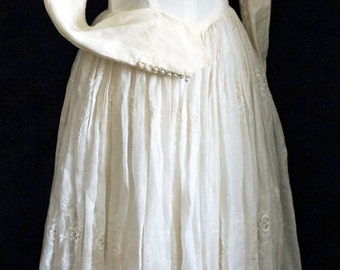 1950s Womens Ivory Beaded Silk Wedding Dress Sz 6 Vintage Retro