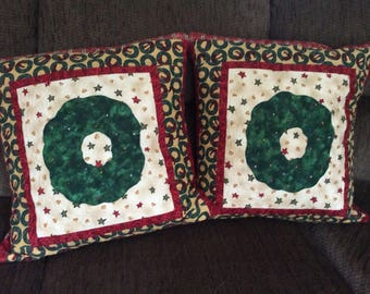 Wreath Quilted Pillow Cover