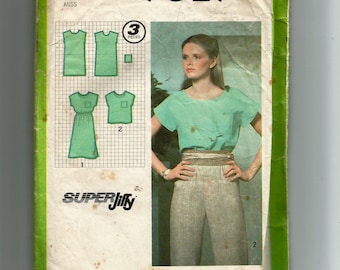 Simplicity Misses' Pullover Top and Dress Pattern 9029