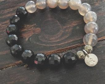 Chalcedony and black glass bracelet