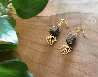 """Golden earrings fan and pyrite nuggets """"METEORITE"""""""