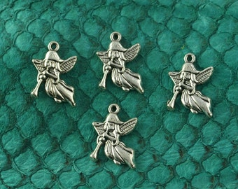 Angels w/ Trumpet in Antique Silver Finish, Lead & Nickel-free Base Metal Charms - 4 per pack