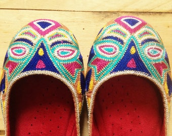 Eye Catcher Ballet Flats Slip on Ballerinas  - Colorful Ethnic Embroideries - New/Old Stock - 7.5
