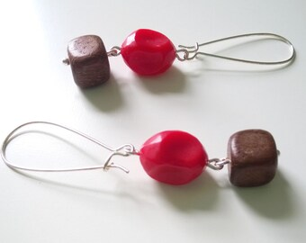 geometric earrings in red and silver - silver earrings with vintage twists and wood beads - boho wood earrings - tallulah bois earrings