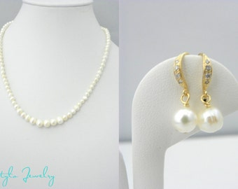 Mother of the Bride Gift from Bride, Mother of the Groom Gift, Gold Pearl Jewelry Set, Gold Filled Earrings and Necklace, Classic Pearl Set