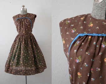 SALE: 1960's Brown Calico Print Dress / Size XSmall