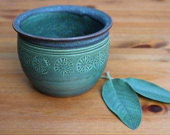Green ceramic planter, cactus planter, succulent planter, plant pot, handmade pottery, kitchen accessoires