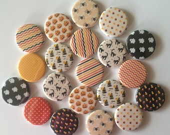 """Lot of  20 Halloween 1"""" or 1.25"""" buttons"""