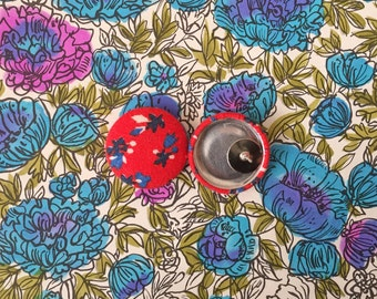 Red Button Earrings / Handmade Jewelry / Fabric Covered / Small Stud Earring / Wholesale / Vintage Print / Hypoallergenic / Bridesmaid Gifts