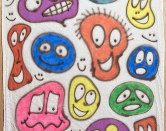 Smiley-face baby blanket #003