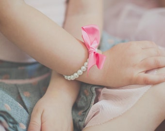 Peony Pink Girls Pearl Bracelet, Flower Girl Gift, Jr Bridesmaid, Birthday, First Pearls Pearls and Ribbon, Bracelet with Bow