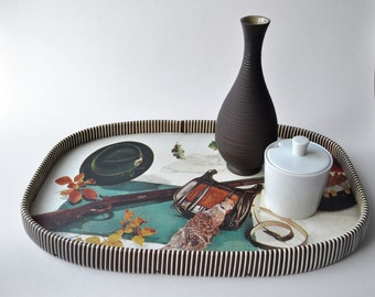 Big vintage tray with a pretty hunters decor of the 50s and 60s - Midcentury Modern bar entertaining
