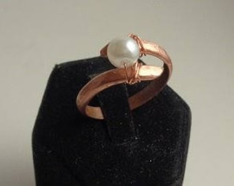 Hammered copper wrap ring with white pearl
