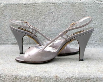 Pearl Gray High Heels Vintage 1980s Slingback Open Toe Sandals Shoes  /  U. S. 5.5 to 6 B