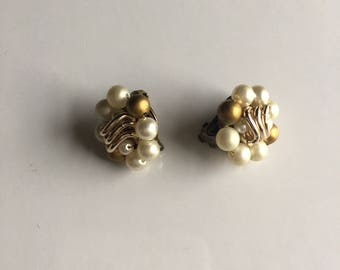 Vintage Earring Pearls White and golden Signed Japan